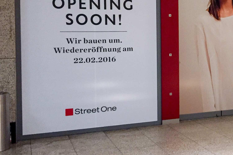Schaufensterfolierung für StreetOne-Filiale