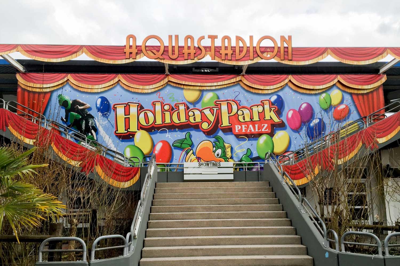 XXL-Riesenbanner für den Holiday Park