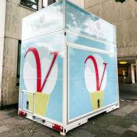 Folienaufkleber für Anhängerbeschriftung eines Eiswagens