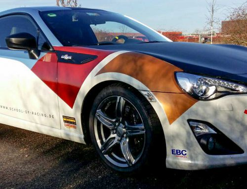 Car-Wrapping eines Toyota Sportwagens